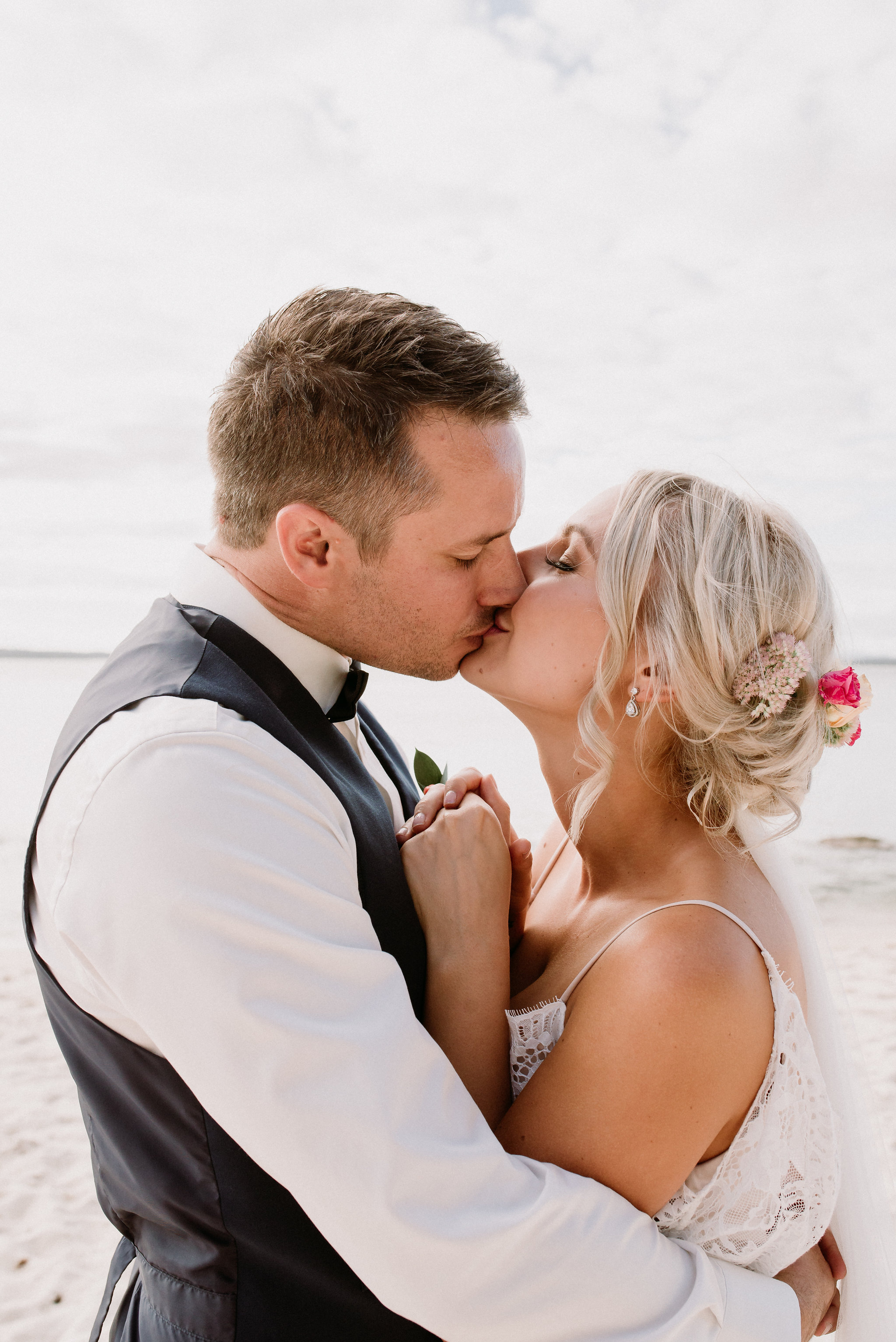 LITTLE-BEACH-WEDDING-MARCHANT-1018.jpg