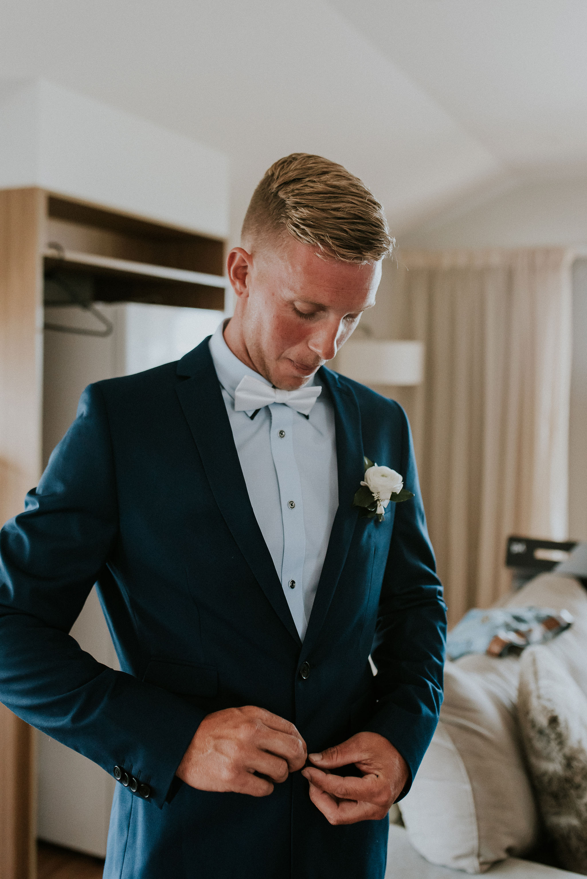 CAVES-BEACH-HOTEL-WEDDING-PATTEN-242.jpg