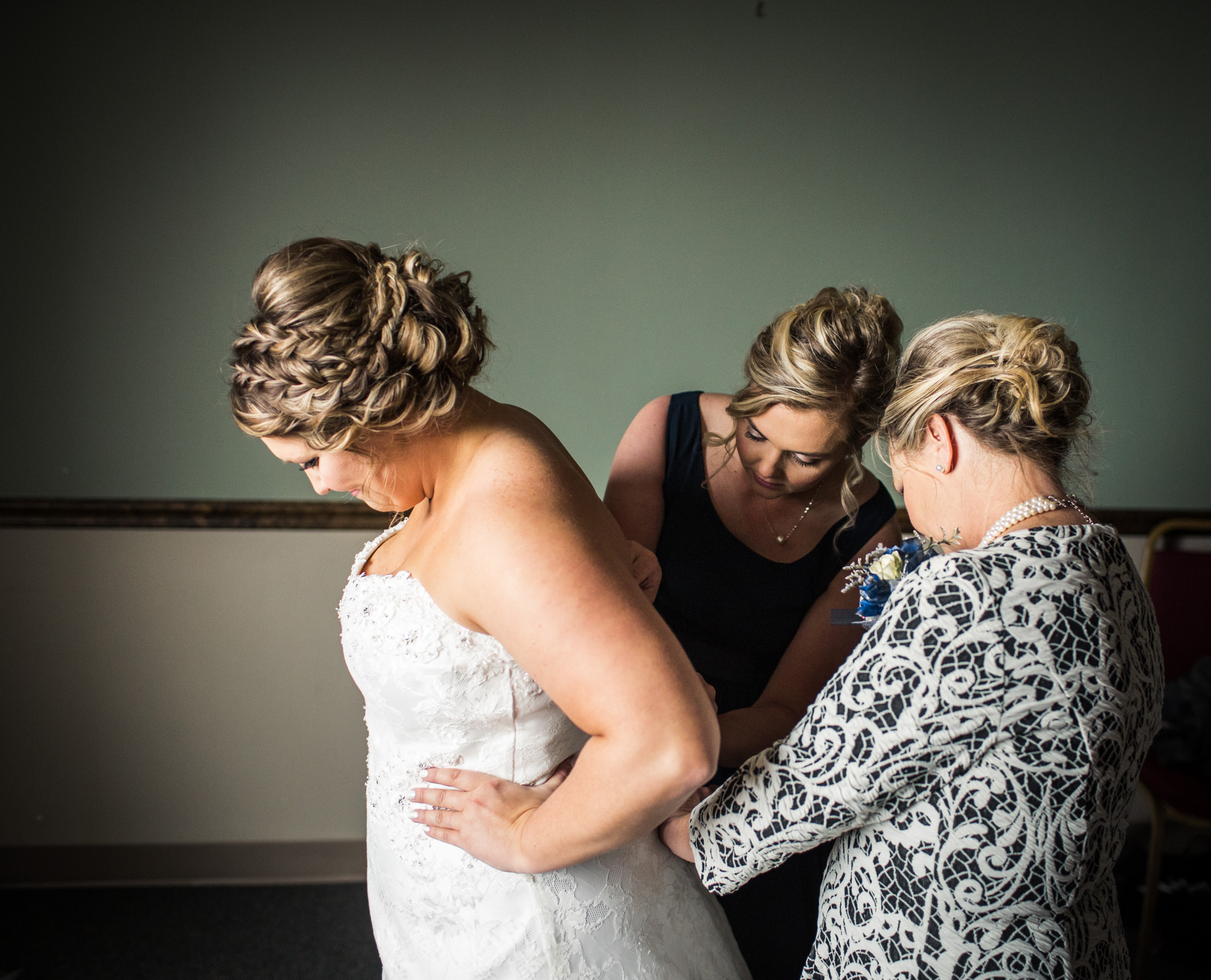 Zibell Spring Wedding, Bride and Groom, Powerful, Connected, Exploration, Laura Duggleby Photography -55.JPG