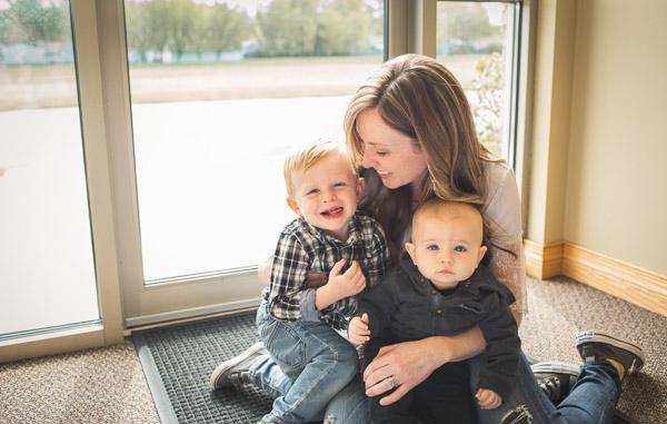 motherhood, lifestyle, smiles, window light, laura duggleby photography 7