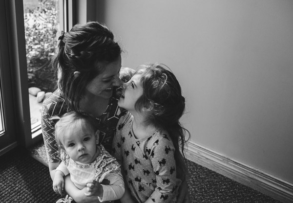 motherhood, lifestyle, black and white, snuggles, nose kisses, laura duggleby photography 9