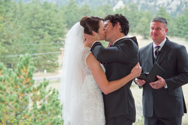 Natalie + Chris: Colorado Wedding at the Black Canyon Inn | Image: Mollie Tobias Photography