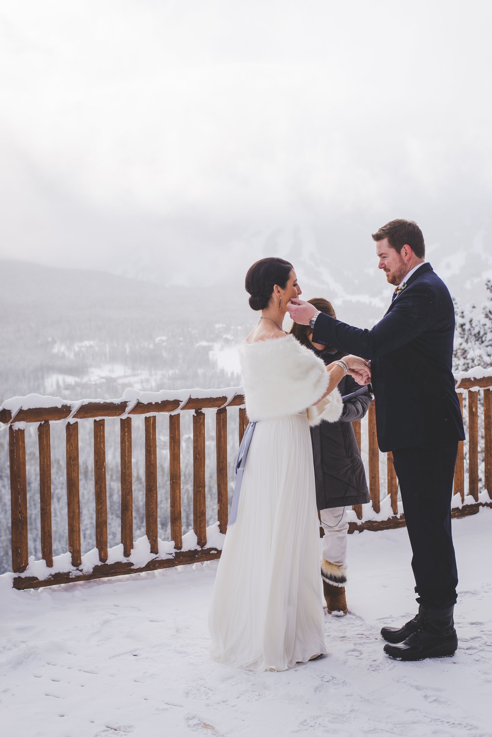 breckenridge, colorado winter elopement outdoors at the lodge at breckenridge| photo by keeping composure photography