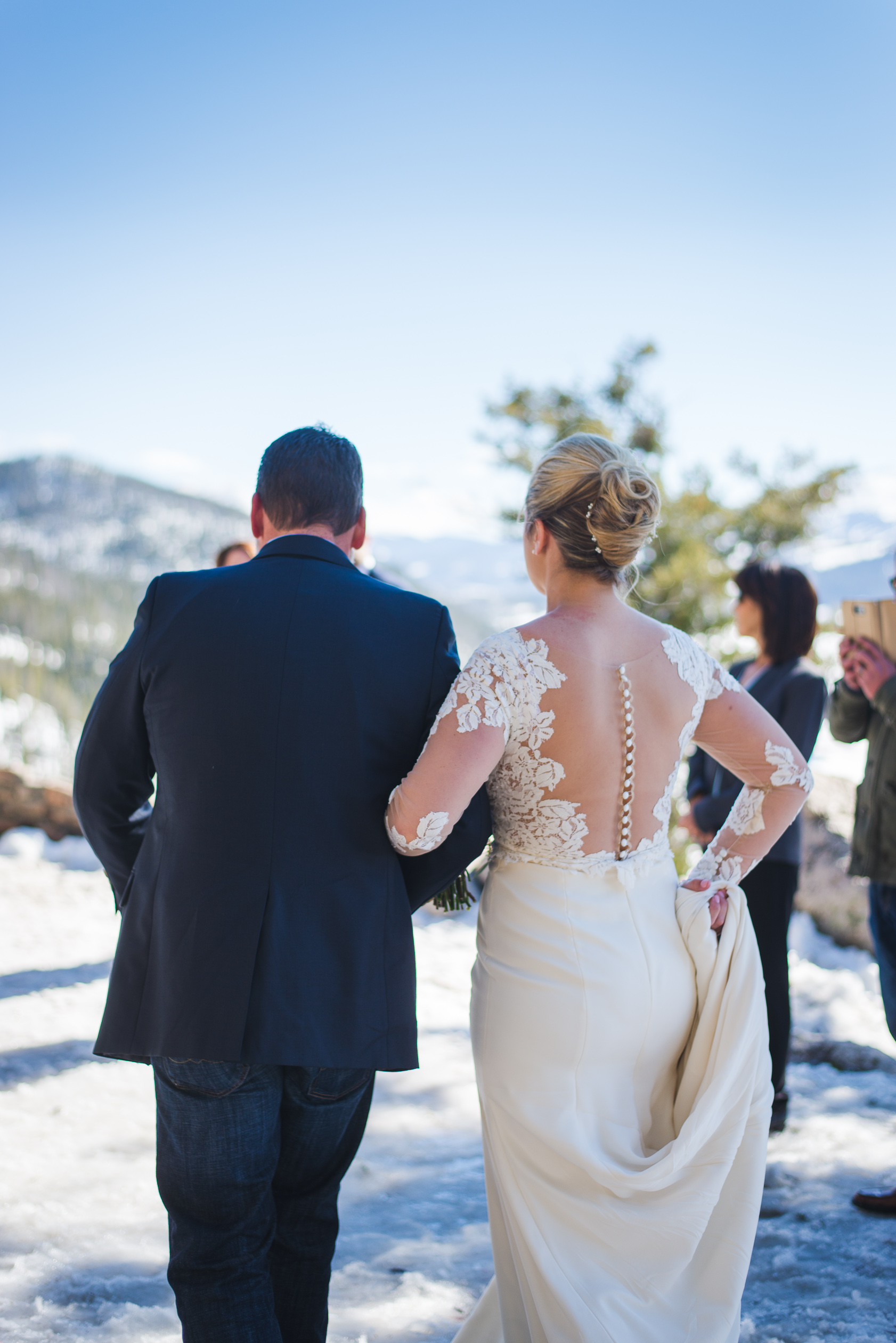 Intimate Springtime Colorado mountain wedding at Sapphire Point | Keeping Composure Photography + Summit Mountain Weddings