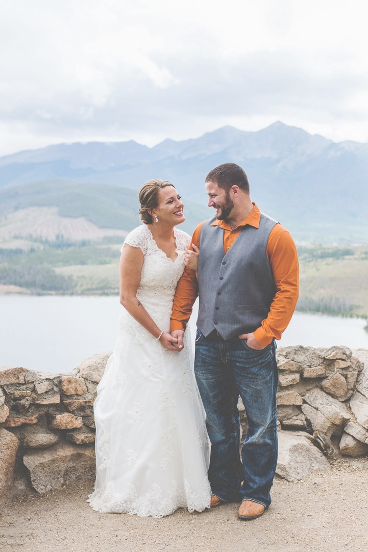 country colorado mountain elopement at sapphire point