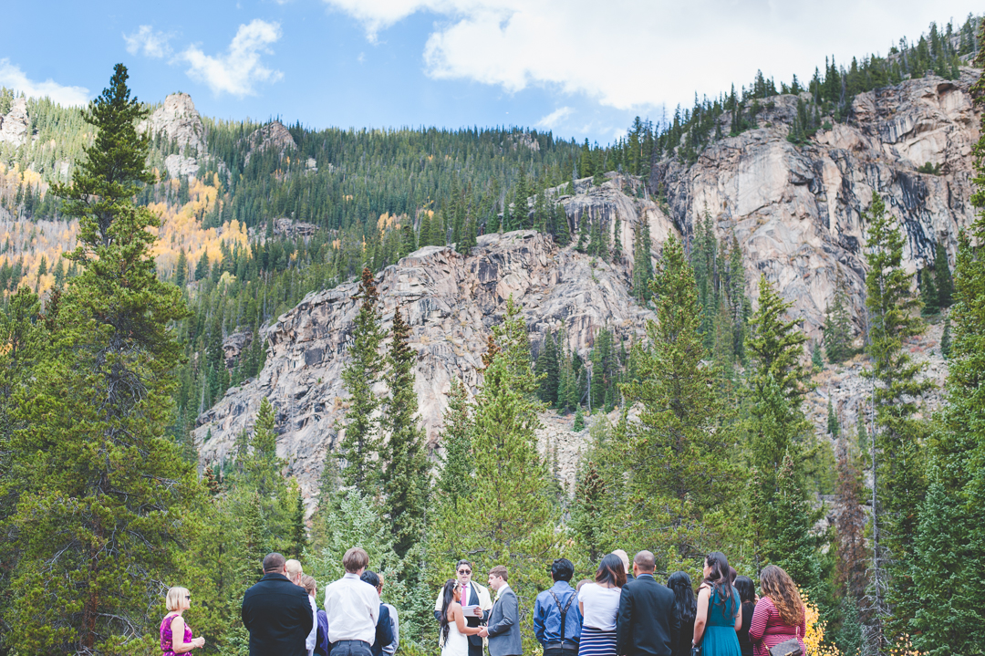 Autumn intimate wedding in the mountains of Aspen, Colorado | Summit Mountain Weddings | Keeping Composure Photography