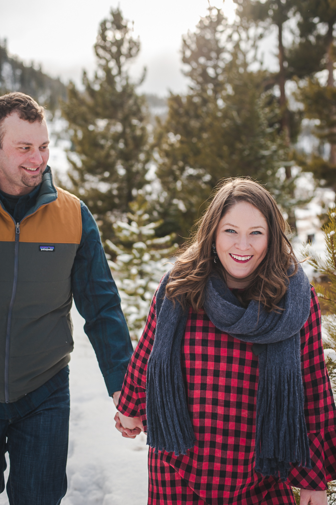 winter honeymoon destination photo session in the snowy Colorado mountains