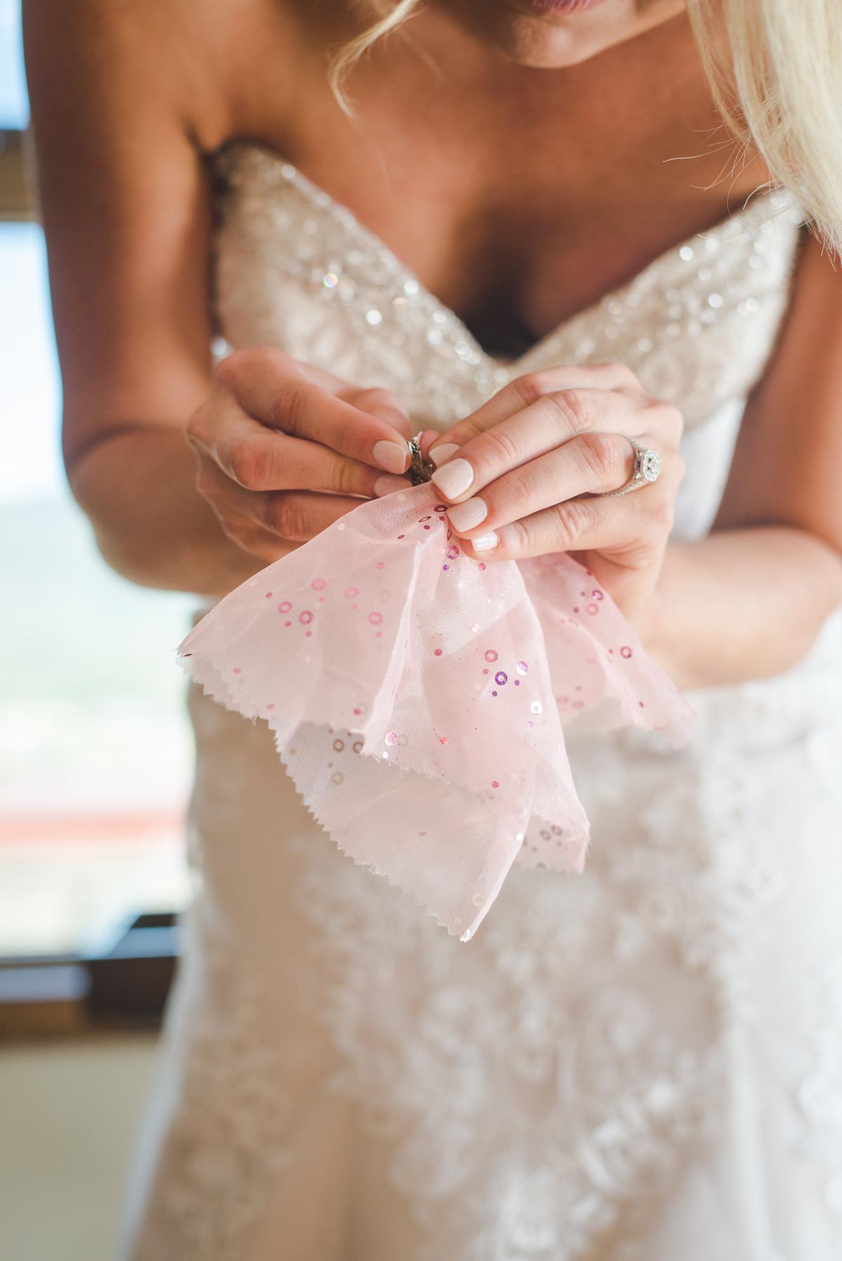 bride details wedding day