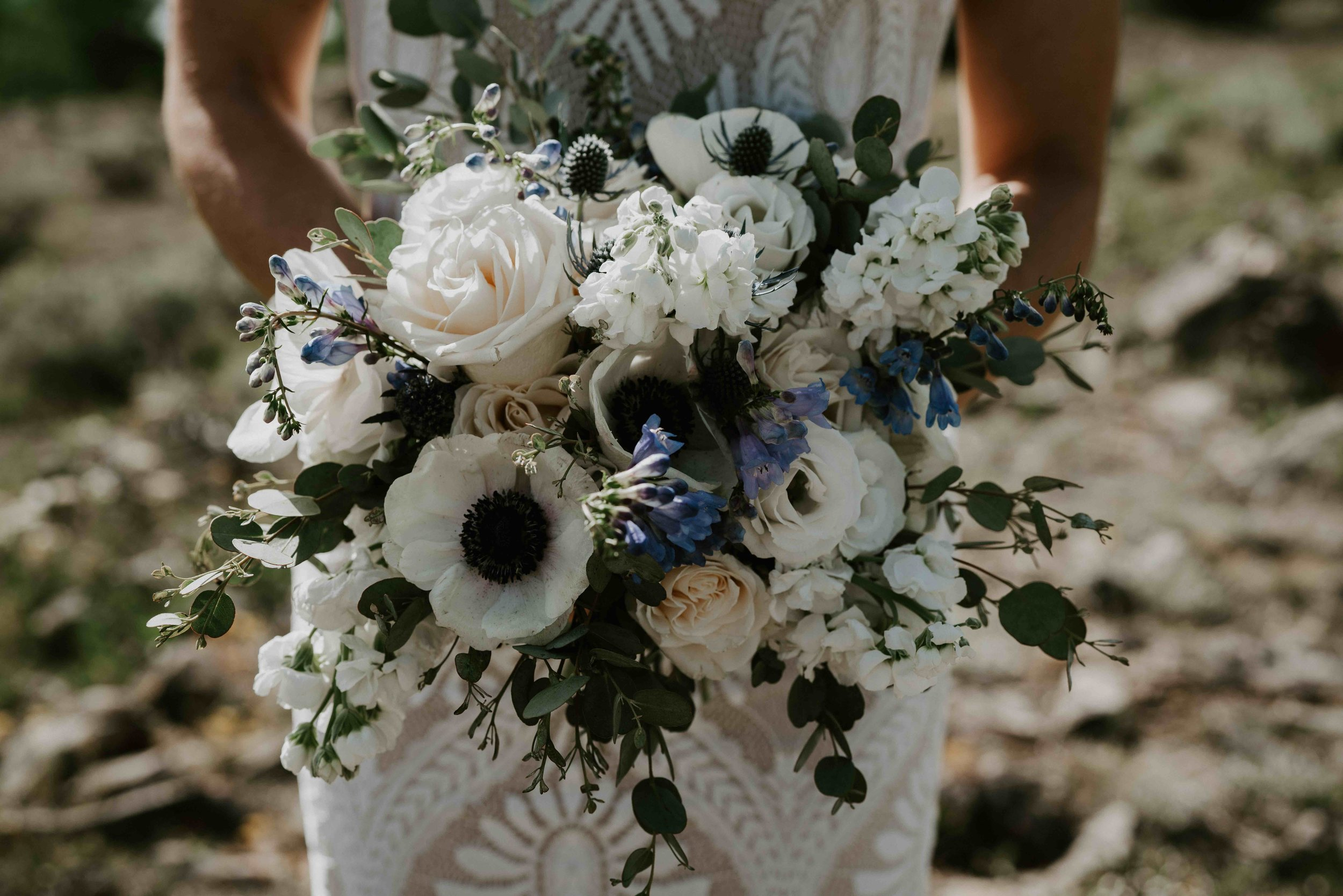 woodland breck florals colorado bride elopement by lake dillon   summit mountain weddings