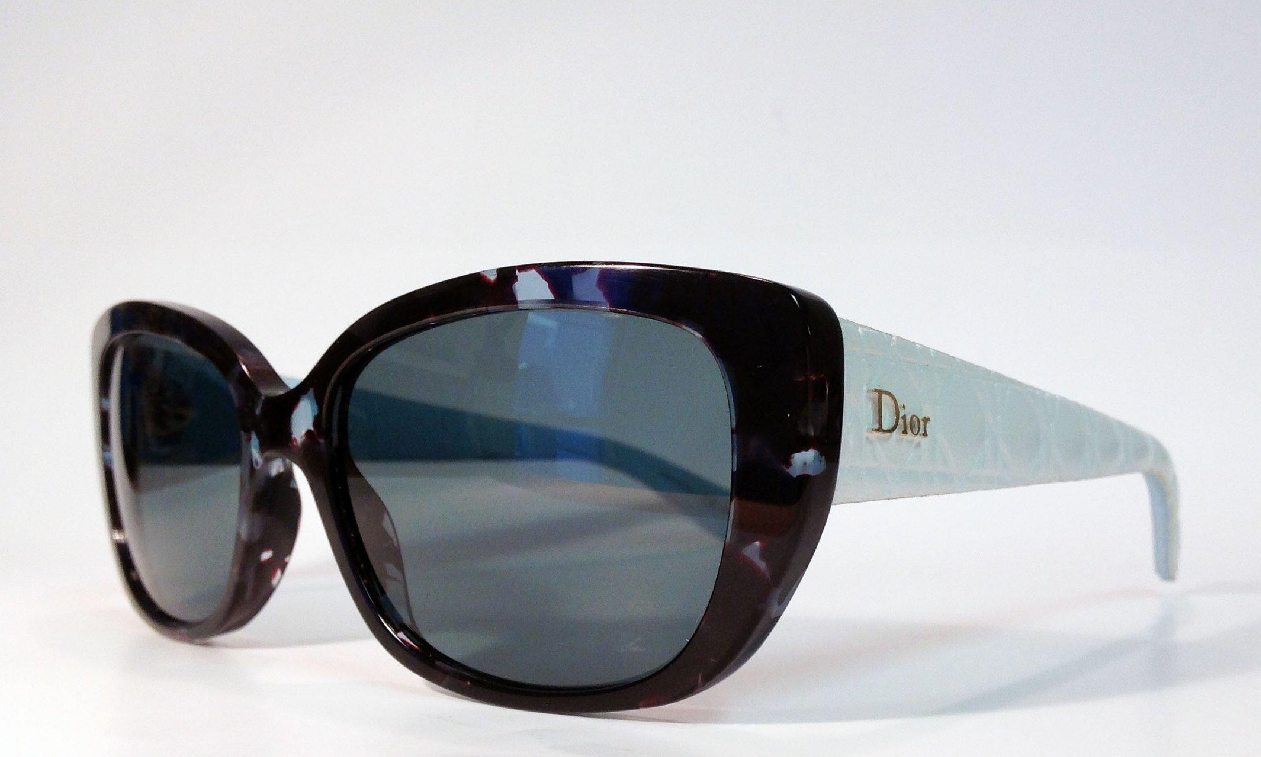 Dior €320