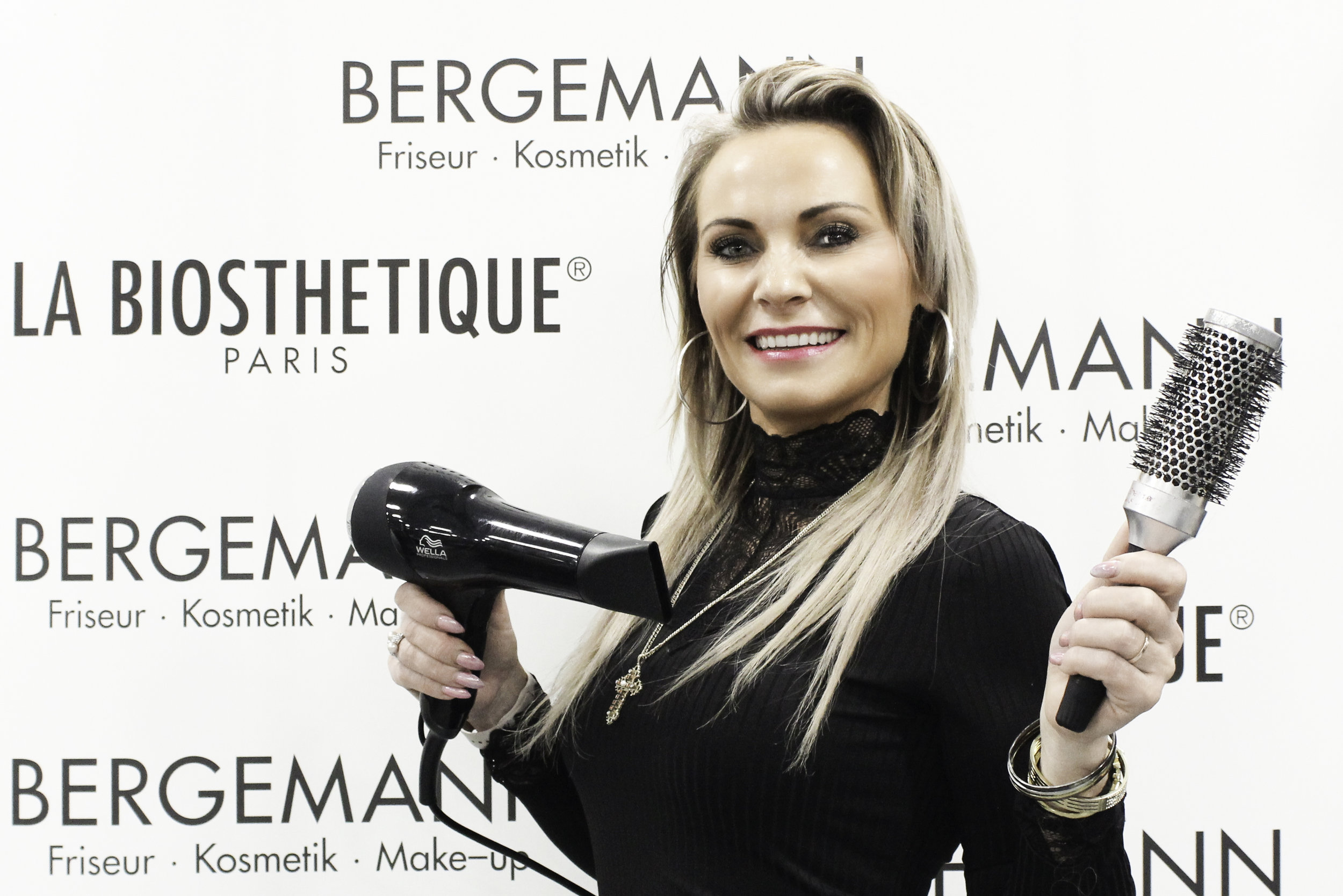 Olga - Friseurin
