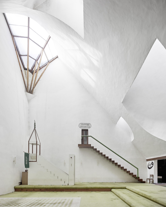 196979_white_mosque.jpg