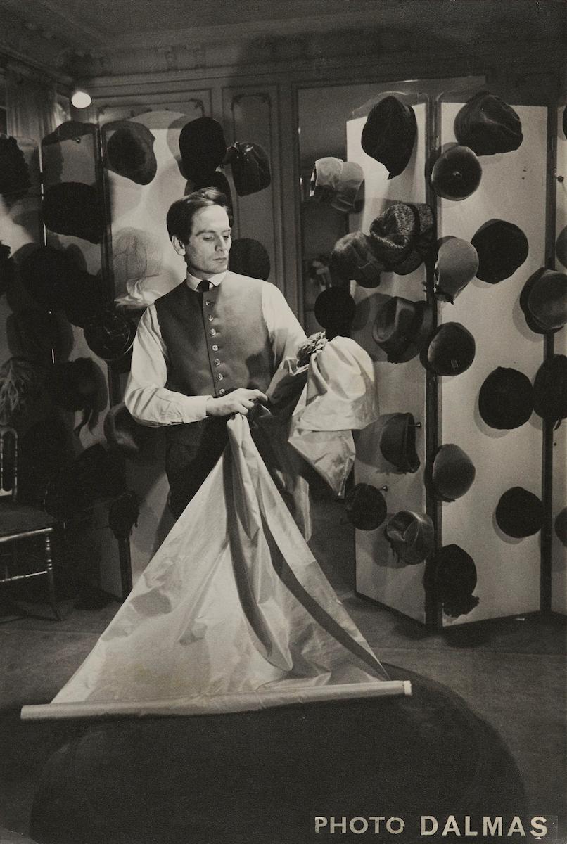 Pierre Cardin in his couture salon, 1952.jpg