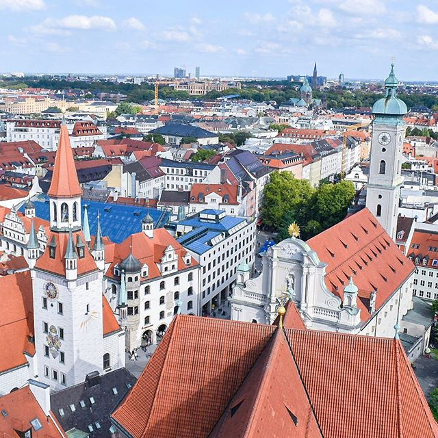 Missing this Munich view! I absolutely love everything about this city. The history, the food, the sights...there's so much to see and do. I'll be sharing a blog post with my Munich travel guide soon, so keep your eyes peeled for that!  Have you ever been to Germany? If not, would you ever want to visit? 🇩🇪 • • • • • #munich #marienplatz #germany #instadaily #wanderlust #love #holiday #trip #landscape #travelphotography #photooftheday #traveler #picoftheday #traveltheworld #traveller #travelling #traveladdict #explore #travel #travelblogger #travelingram #vacation #travelblog #travelgram #adventure #traveling #beautiful #photography #instatravel #naturephotography