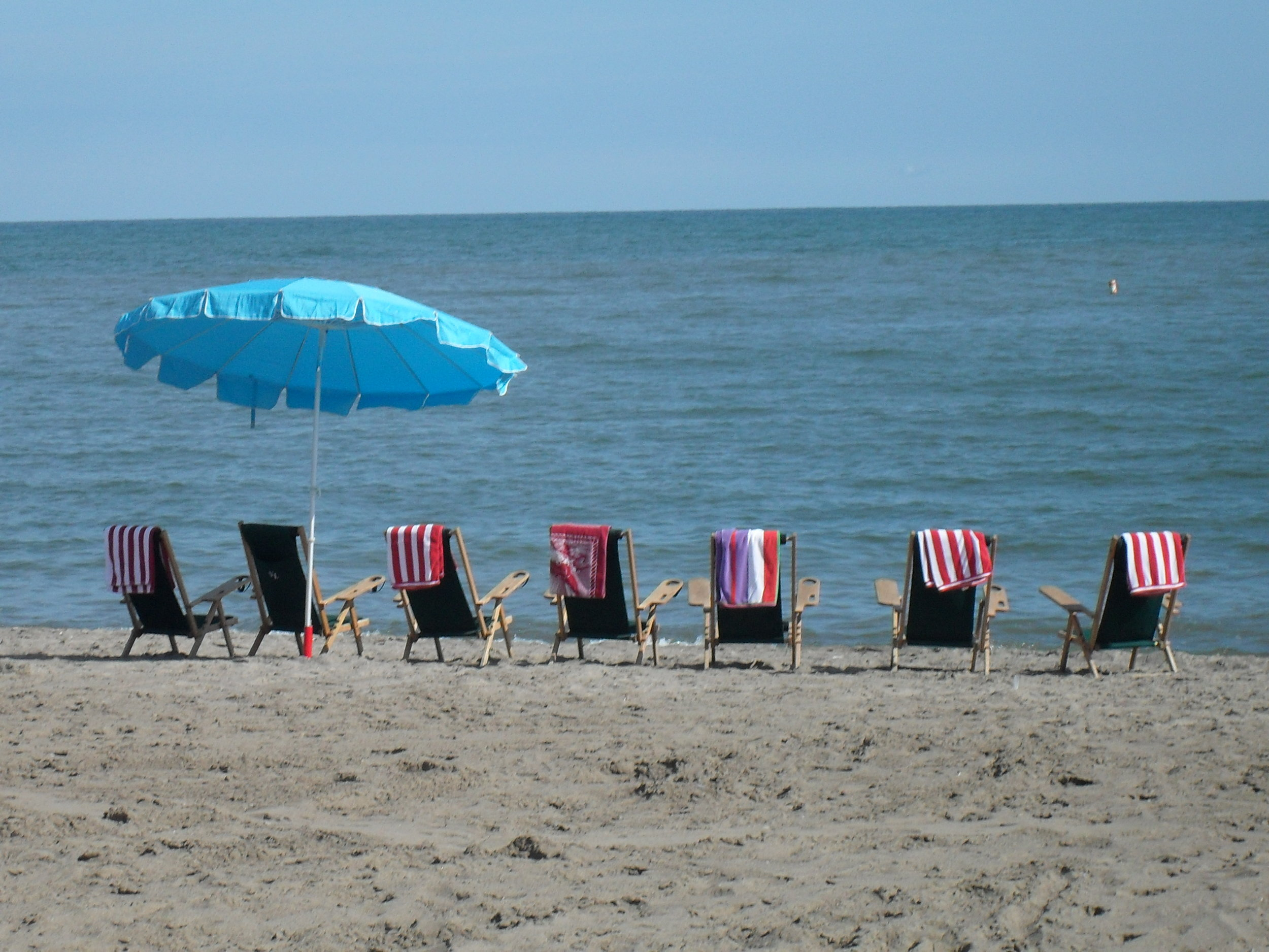 Beach Scene 001.JPG