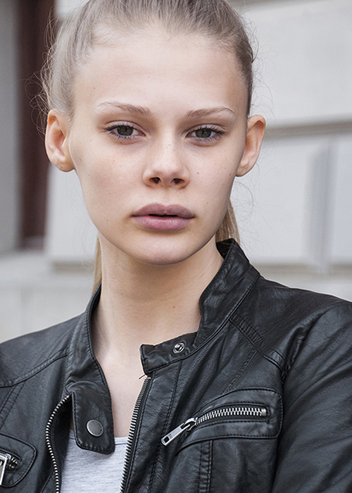 Minna Rasmussen Scouted via GMS in 2015, placed with  Nisch Management .