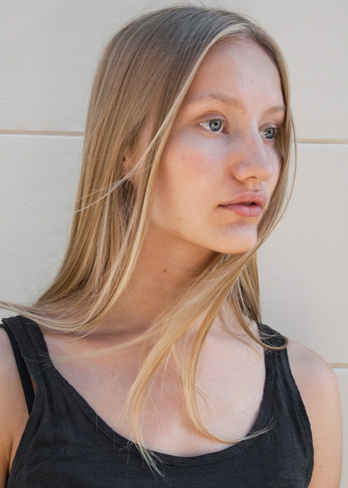 Karolina Höse  Scouted via GMS in 2014. Daily Duo in September 2014 at  Models.com .