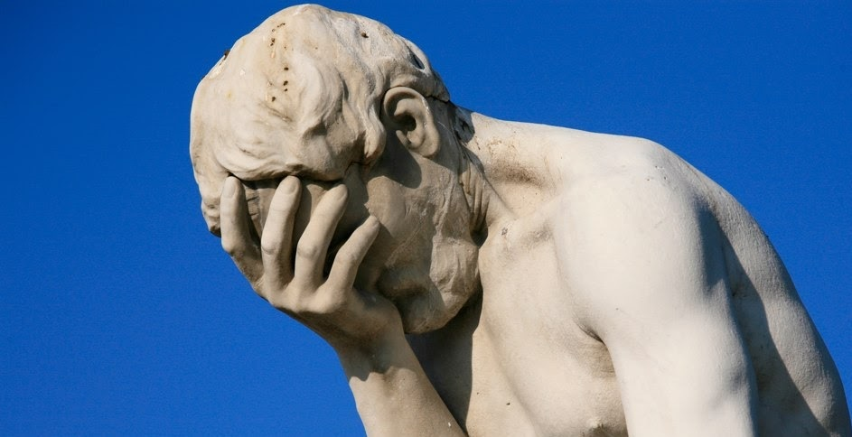 paris_tuileries_garden_facepalm_statue1.jpg