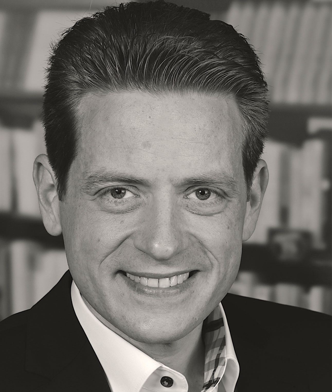 Prof. Dr. Stephan Erlenkämper  Professor for Digital Business Rheinische Fachhochschule Köln   view Linkedin-Profile >     view XING-Profile >
