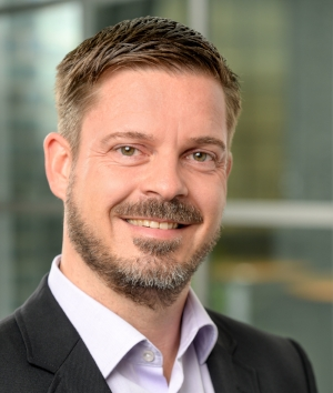 Thomas Müller  Program Manager STARBUZZ   view Xing-Profile >   view LinkedIn-Profile >
