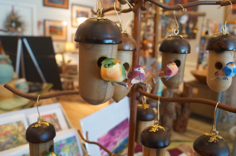 Acorn Birdhouses .JPG
