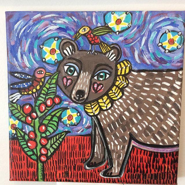Another gorgeous #folkart #painting by @hollyschlaterart.  Her art speaks to my heart 💜 #bears #bearsofinstagram #hendo #hendersonvillenc #flatrock #flatrocknc #applefestival
