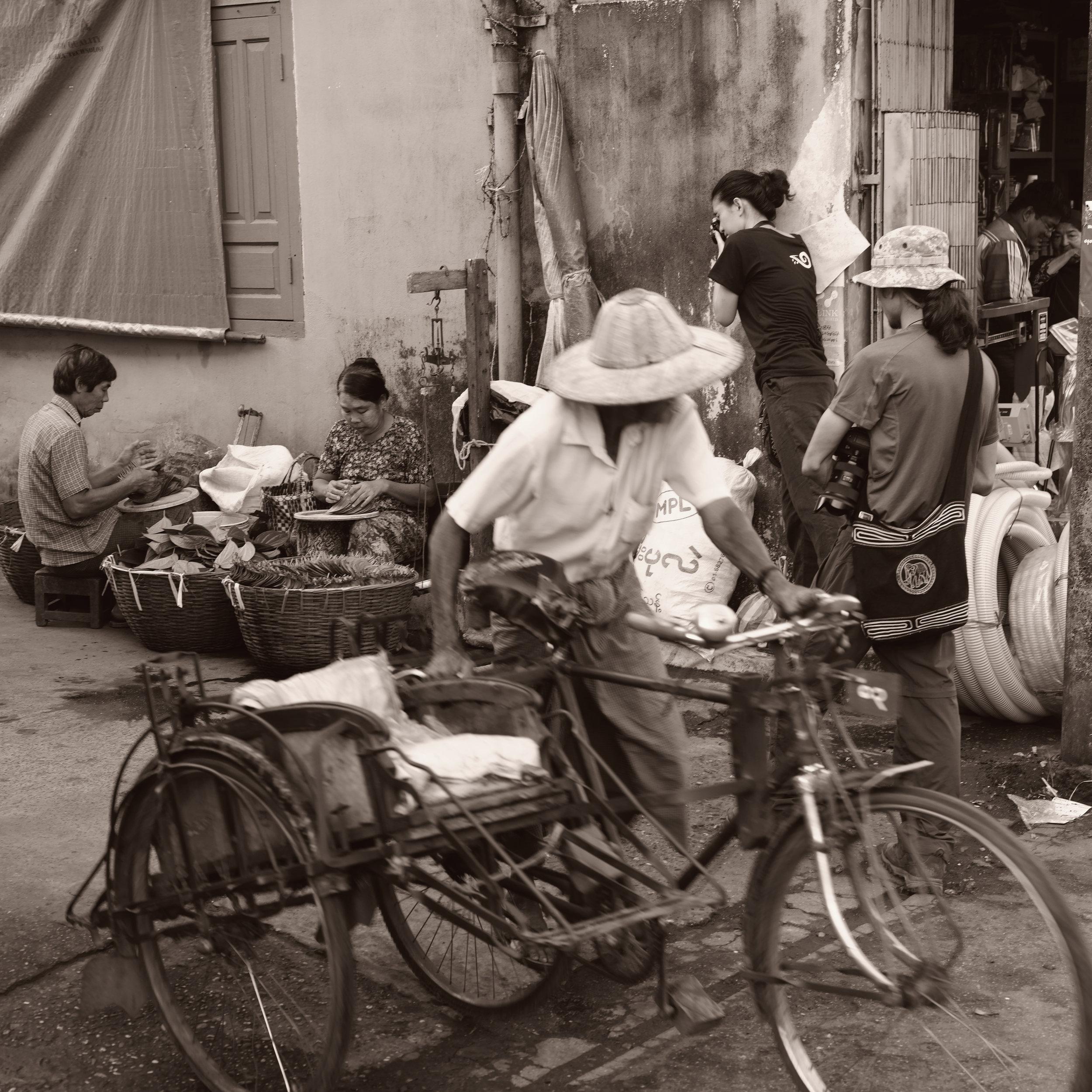 Rita Khin and Ko Myo shooting in Moulmein. © PB