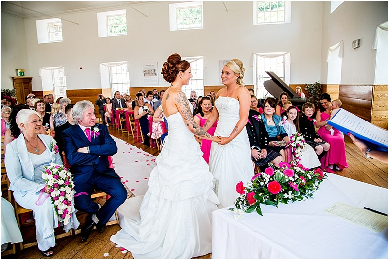 New Lanark Wedding Photos_0033.jpg