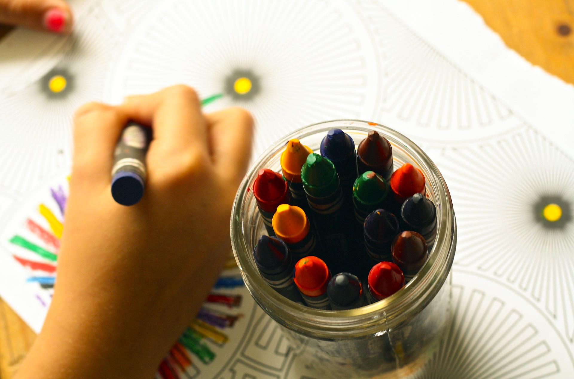 crayons-1445053_1920 (1)_edited.jpg