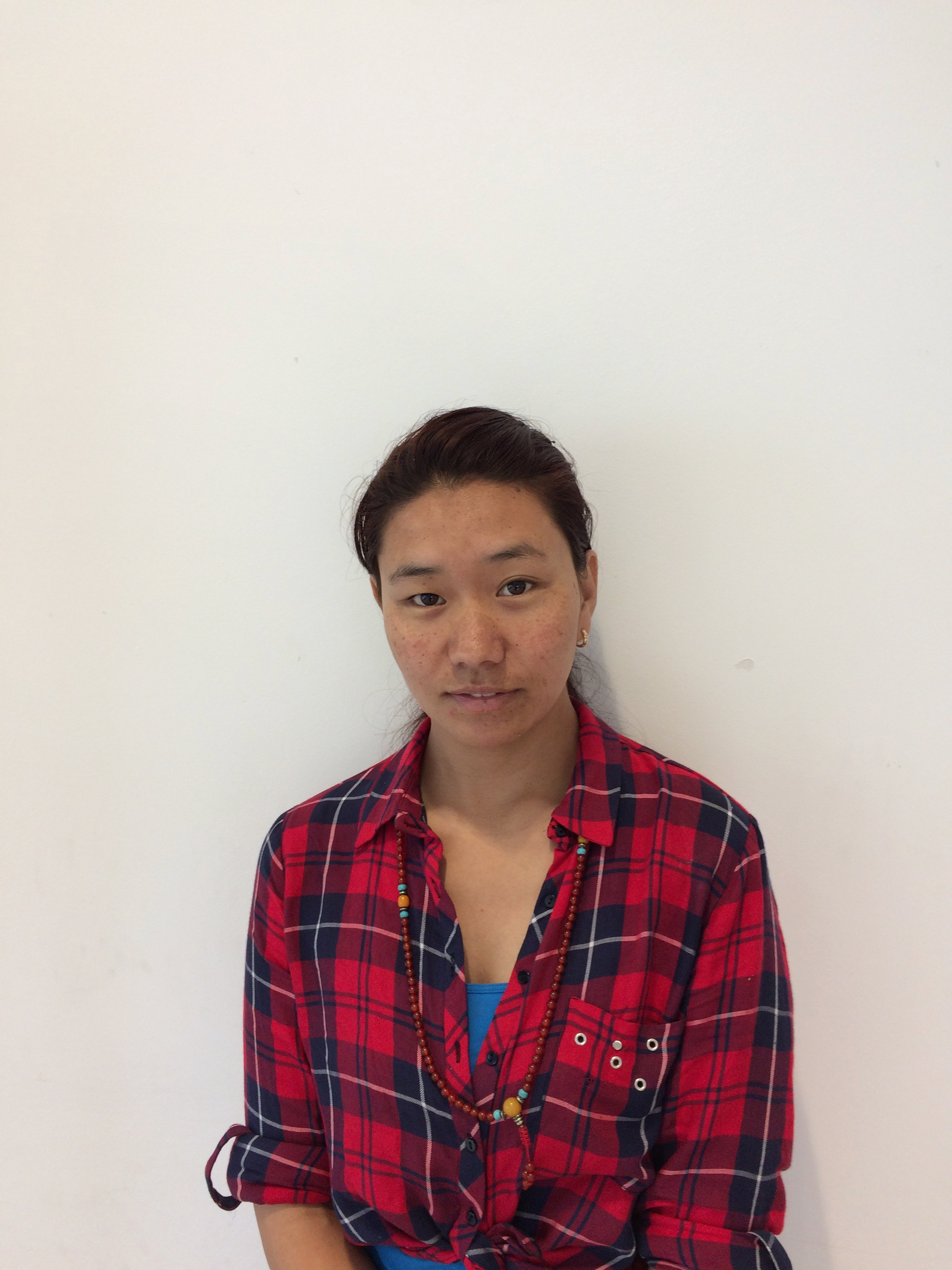 Bawa - Bawa is a Tibetan Masseuse in process for asylum in Belgium. She has studied Massage extensively in Tibet and India and now brings her experience and skill in the art of relaxation to share with us in Belgium.Massage 30 minutes: €30  Massage 60 minutes: €50