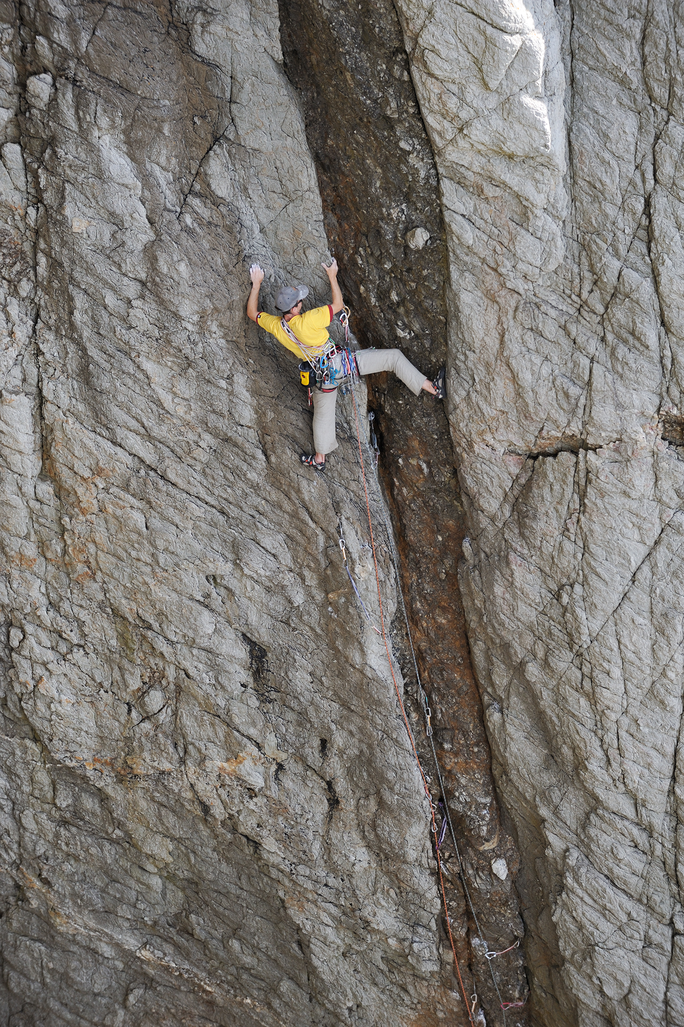 James McHaffie on Rubble E7 6a, 6a, 5a, in 2009, Wen Zawn, Gogarth