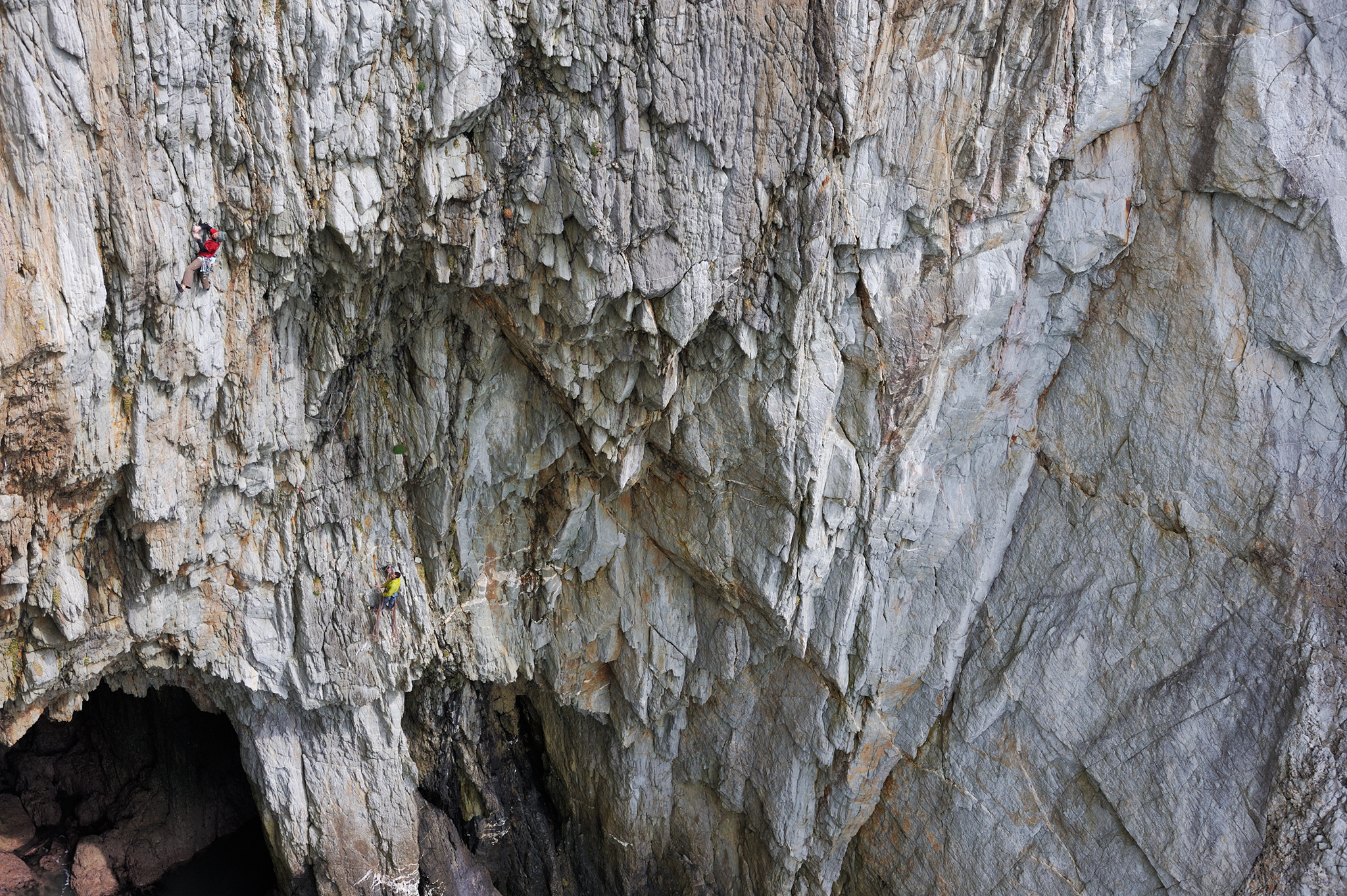 Nico Favresse and Nick Bullock on  Mister Softy  E6 5b, 6b, 6a, Wen Zawn, Gogarth, North Wales