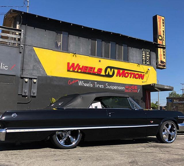 """Oh yeah! Super clean 63 Impala! New 20"""" Ridler 695's installed by @wheelsnmotiononline #ridlerwheels #ridler695 #impala #63impala #customwheels #classiccars"""