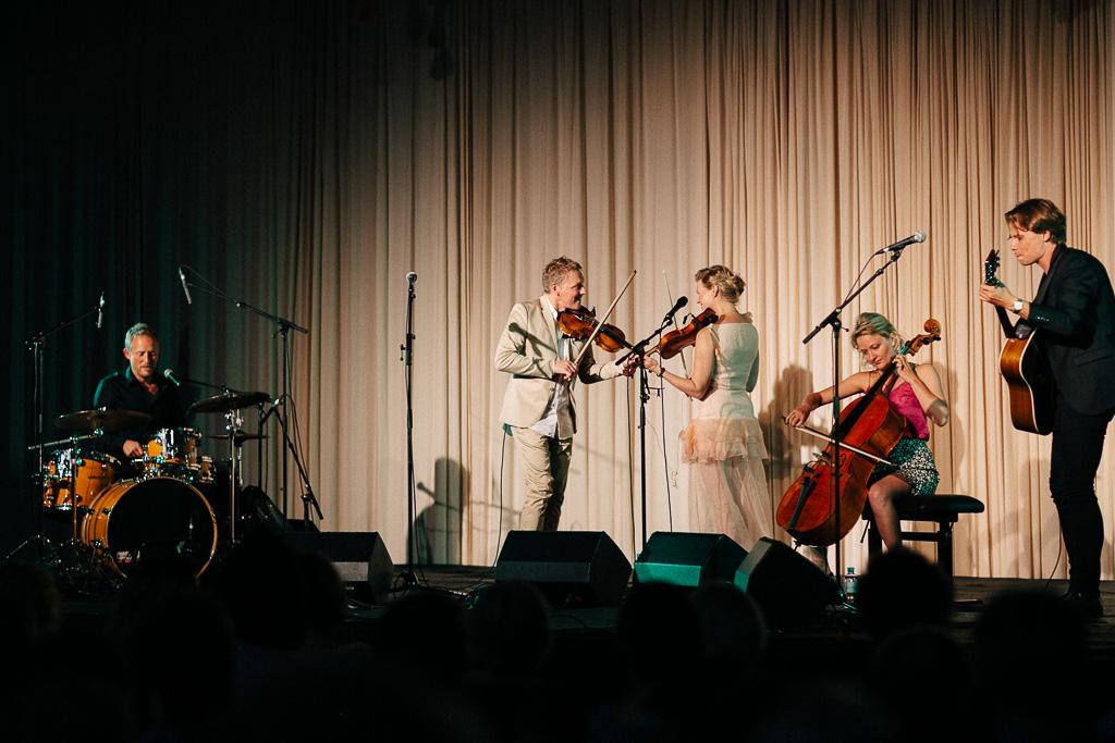 Wellenklaenge-by-Theresa-Pewal-Harald-and-Helene-Band-82.JPG