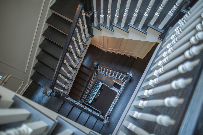 Leo_Designs_Chicago_interior_designs_stairs.jpg