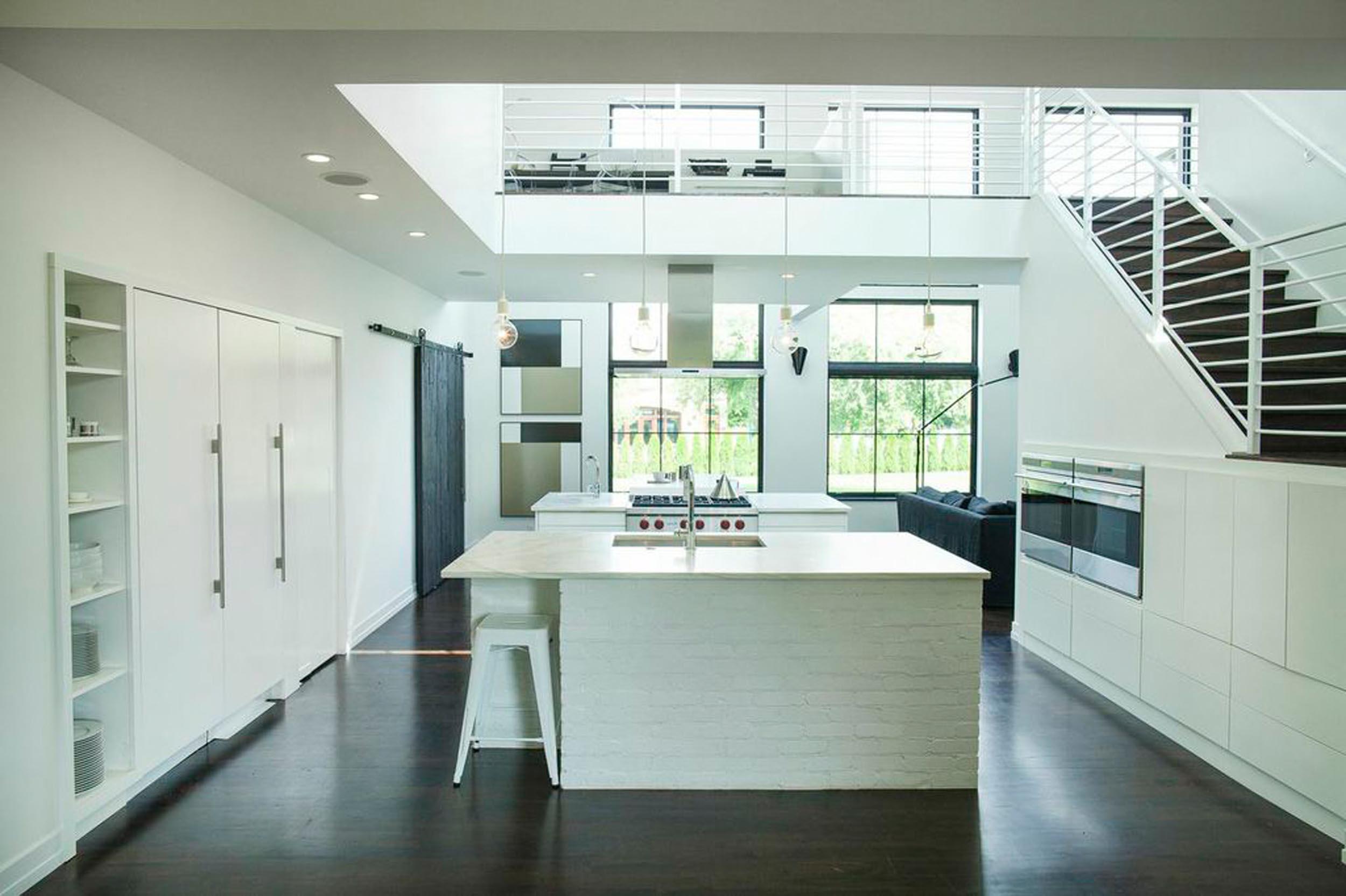 Leo_Designs_Chicago_interior_design_modern_traverse_city_transformation8.jpg