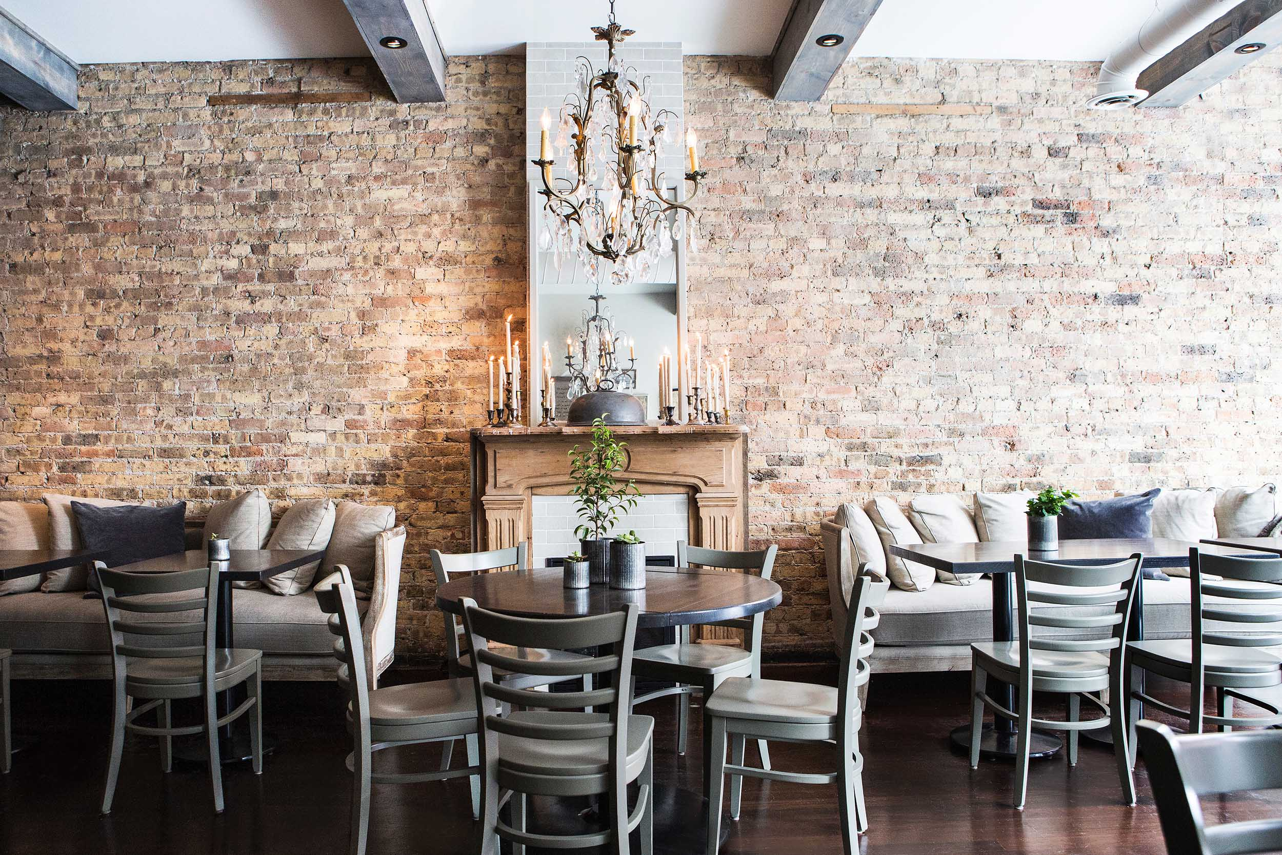 Leo_Designs_Chicago_interior_design_white_oak_tavern9.jpg