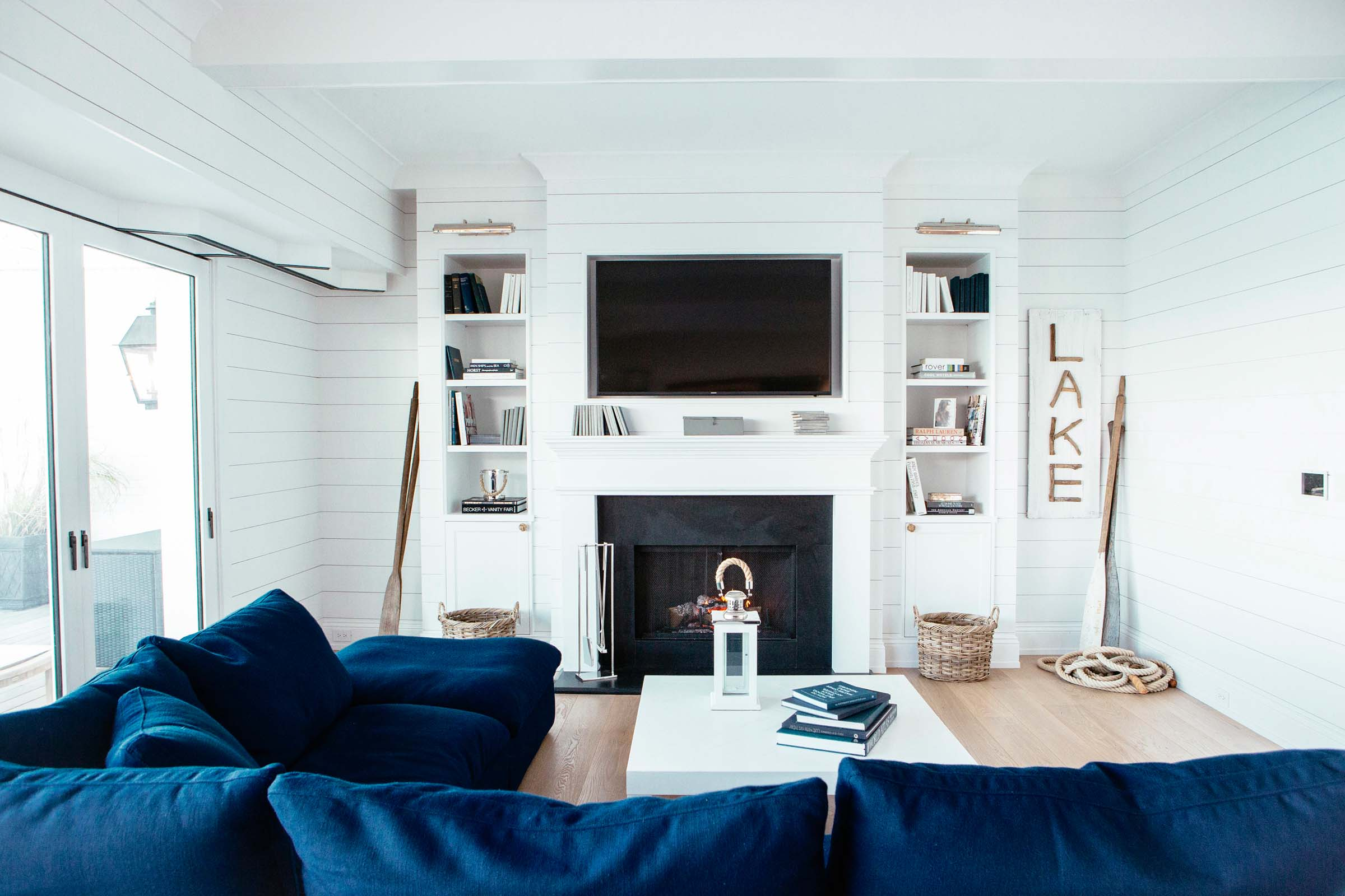 Leo_Designs_Chicago_interior_design_grand_haven_beach_refuge13.jpg