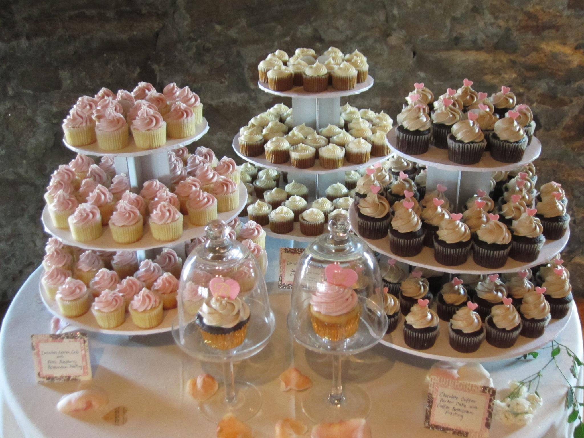 Ben & Jess cupcakes.jpg