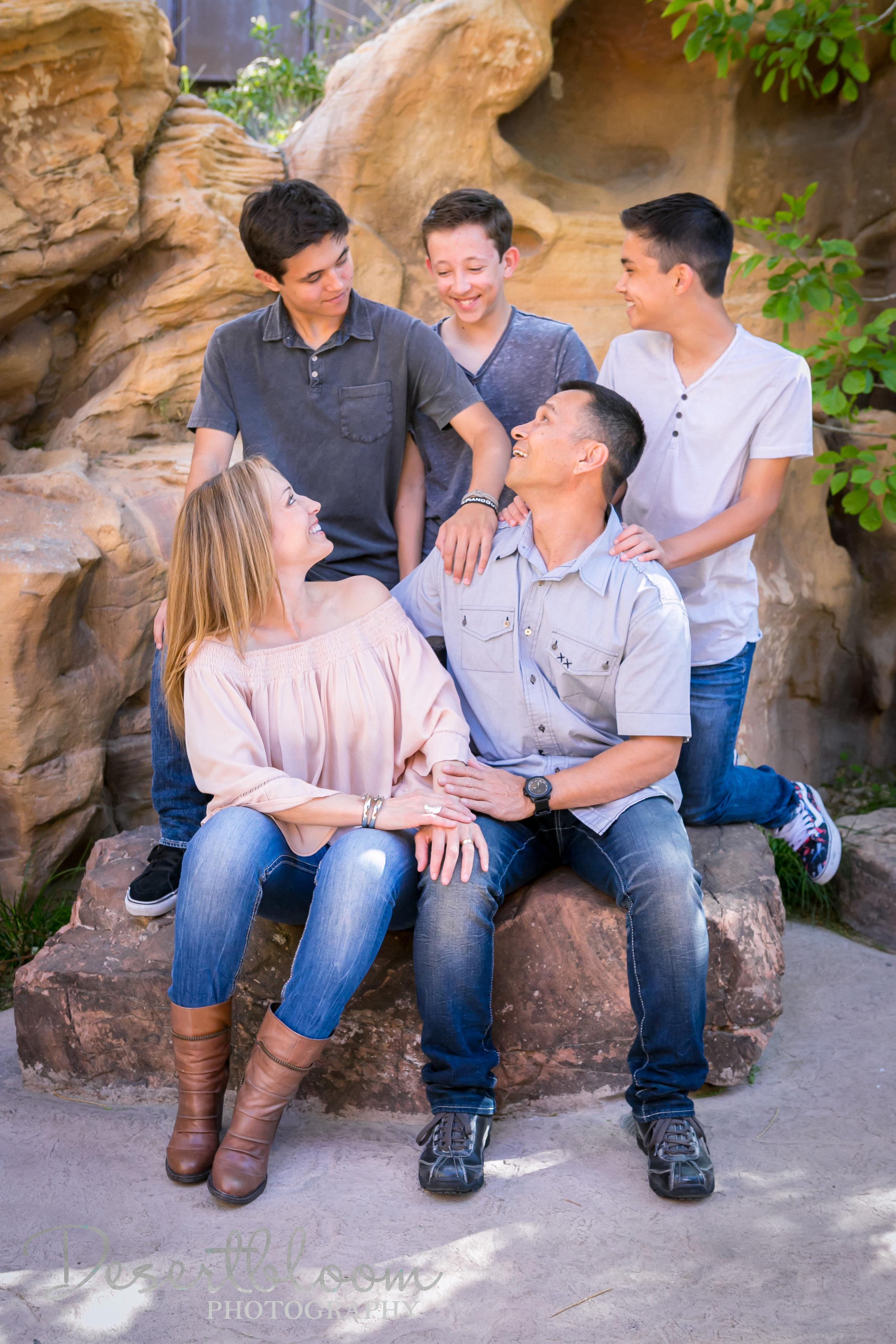 family-session-las-vegas-desert-photographer-springs-preserve.jpg