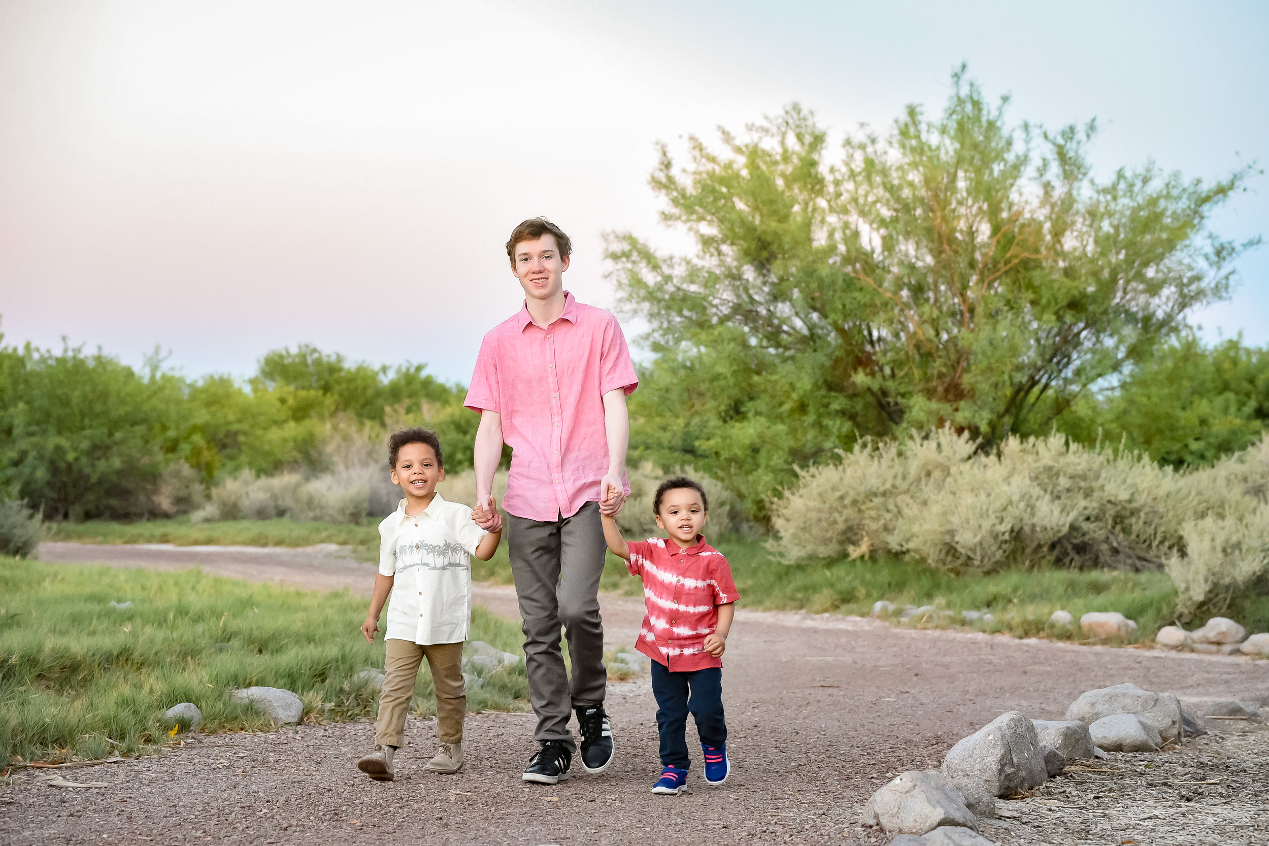 las-vegas-desert-photographer-family-session.jpg