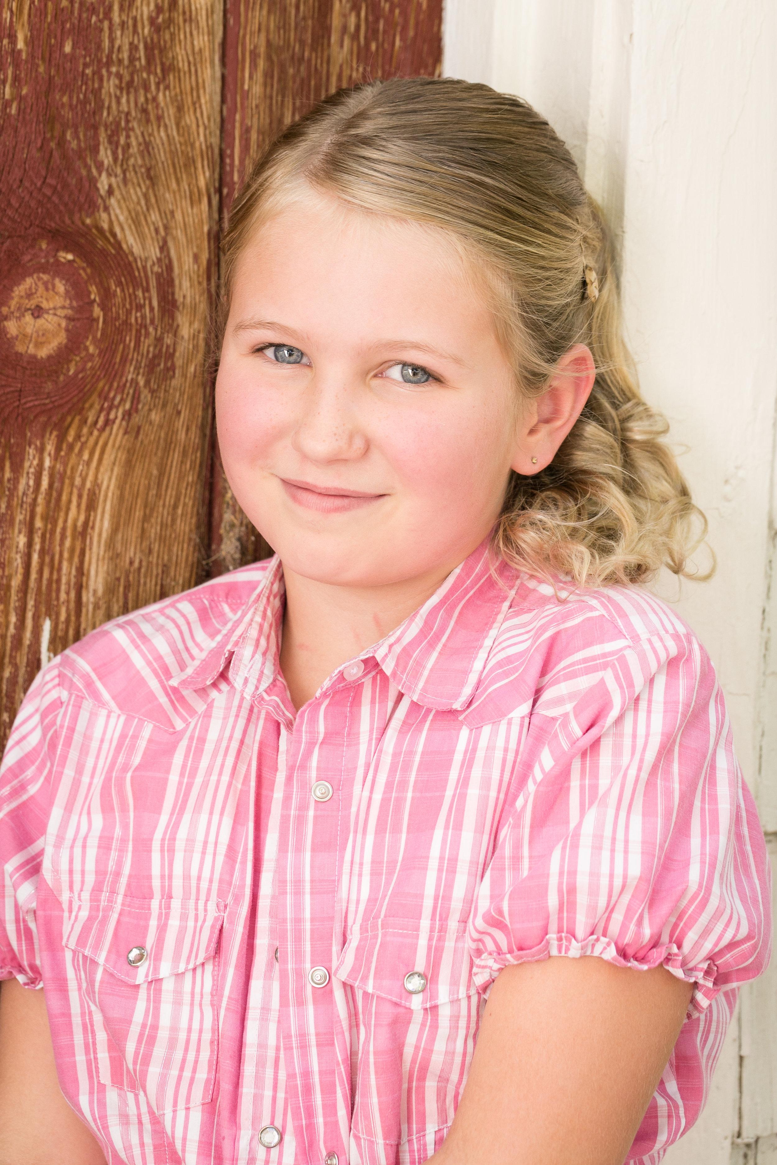 Little Sarah's peaches & cream complexion is a tween photographer's dream!