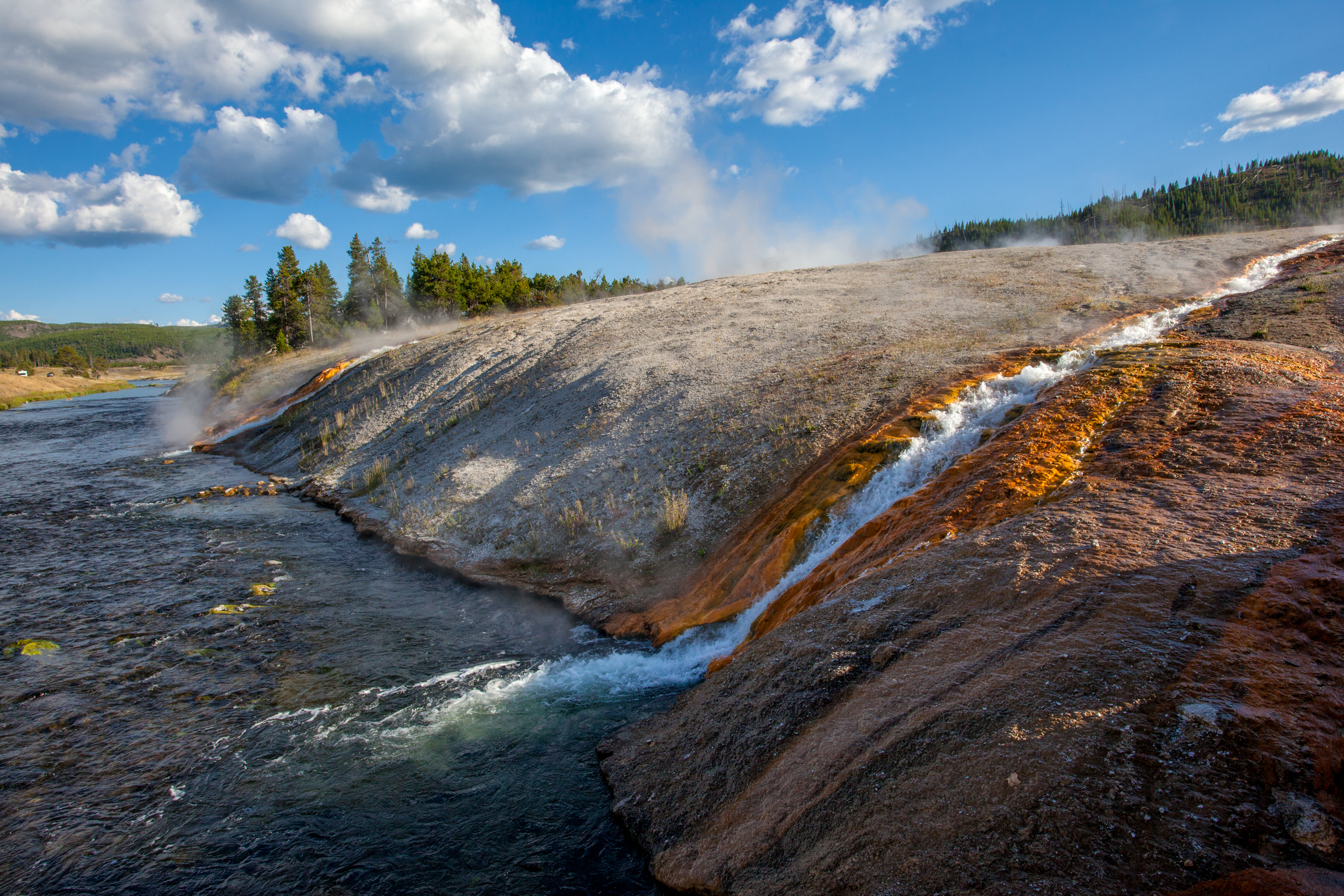Geothermal Yellowstone.jpg