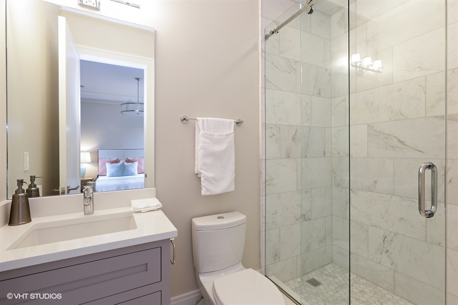 26_2116NorthMagnoliaAve_8_Bathroom_LowRes.jpg