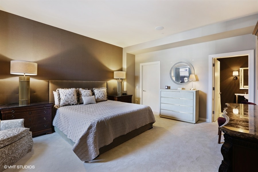 16_310SouthMichiganAve_2209_18_SecondBedroom_LowRes.jpg