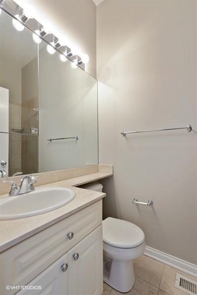 17_849WestWrightwoodAve_1E_8_Bathroom_LowRes.jpg