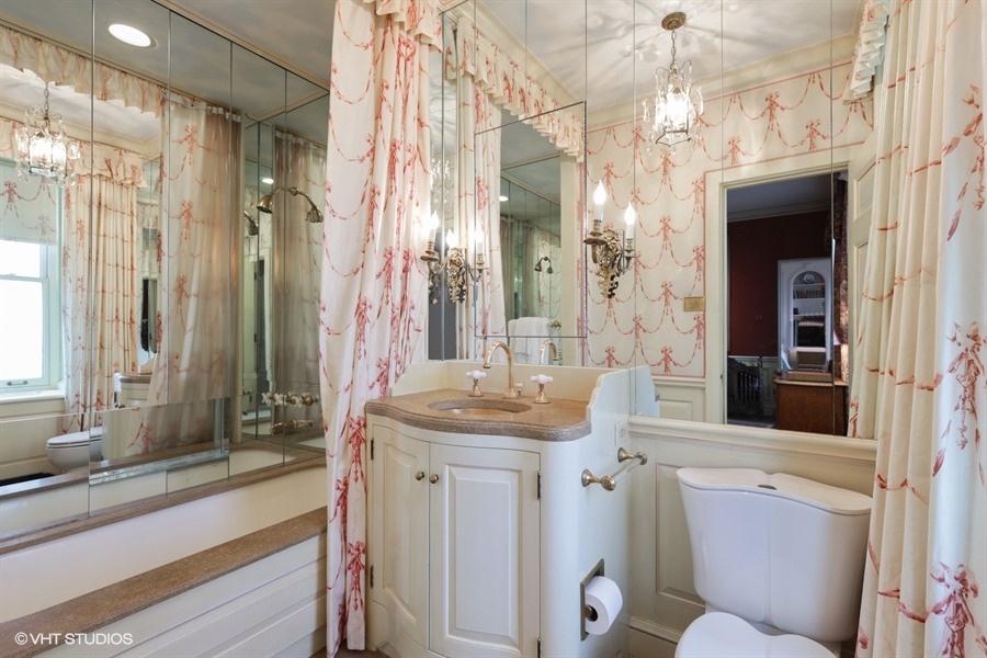 34_1500NLakeShoreDrive_Unit1112B_9_BathroomEnSuiteUpperLevel_LowRes.jpg