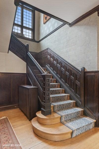 20_4950SWOODLAWNAvenue_68001_Staircase_LowRes.jpg