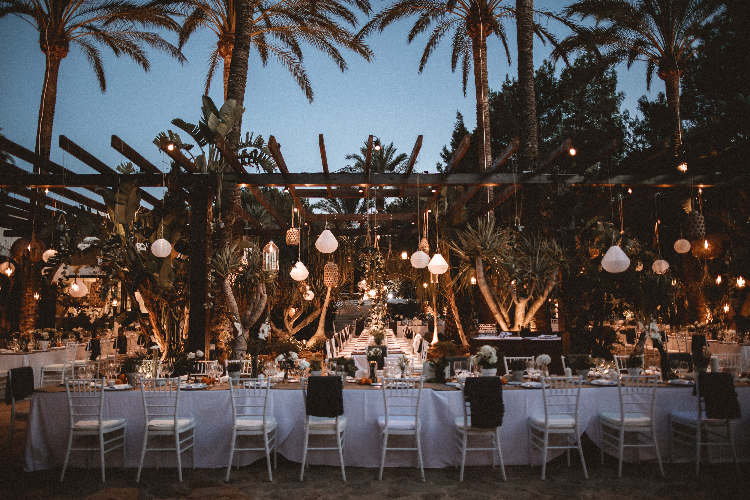 wedding table inspiration, wedding lighting