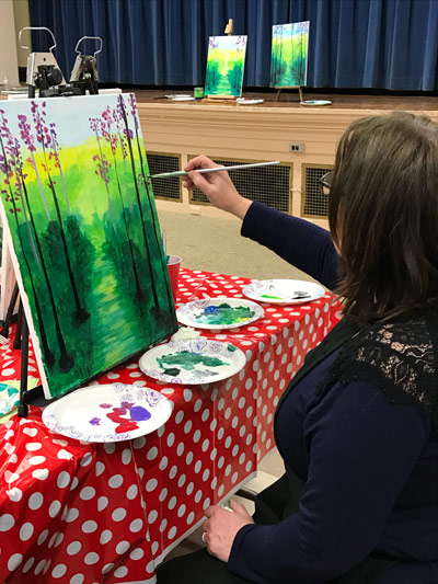 Sarahs_art_studio_artist_painting_green_tree.jpg